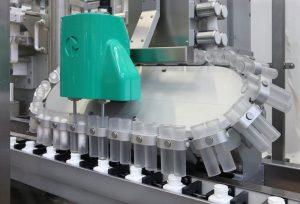Synchro 24, monoblocco automatico di tappatura per industria farmaceutica