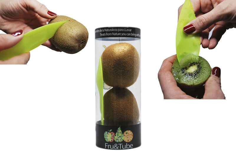 Frutta in tubo con posata