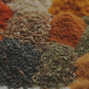 bilance insaccatrice per il confezioanmento di polveri granulu scaglie e spezie